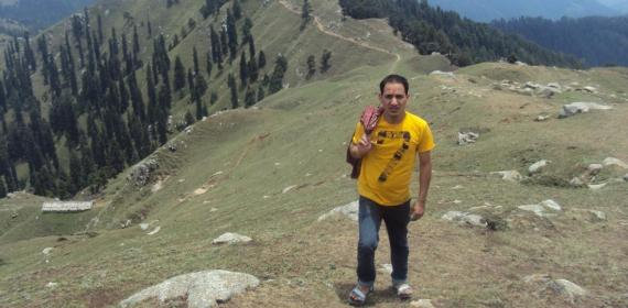 Jivan lal On tracking of Shikari Hills from Kamrunag Vally